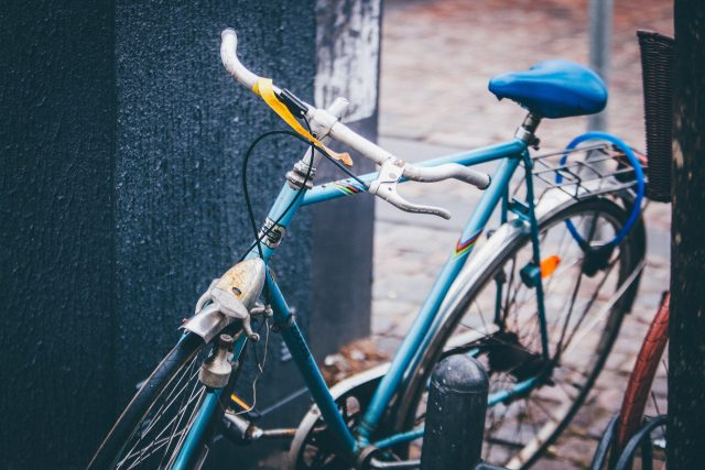 Genrebild på cykel.